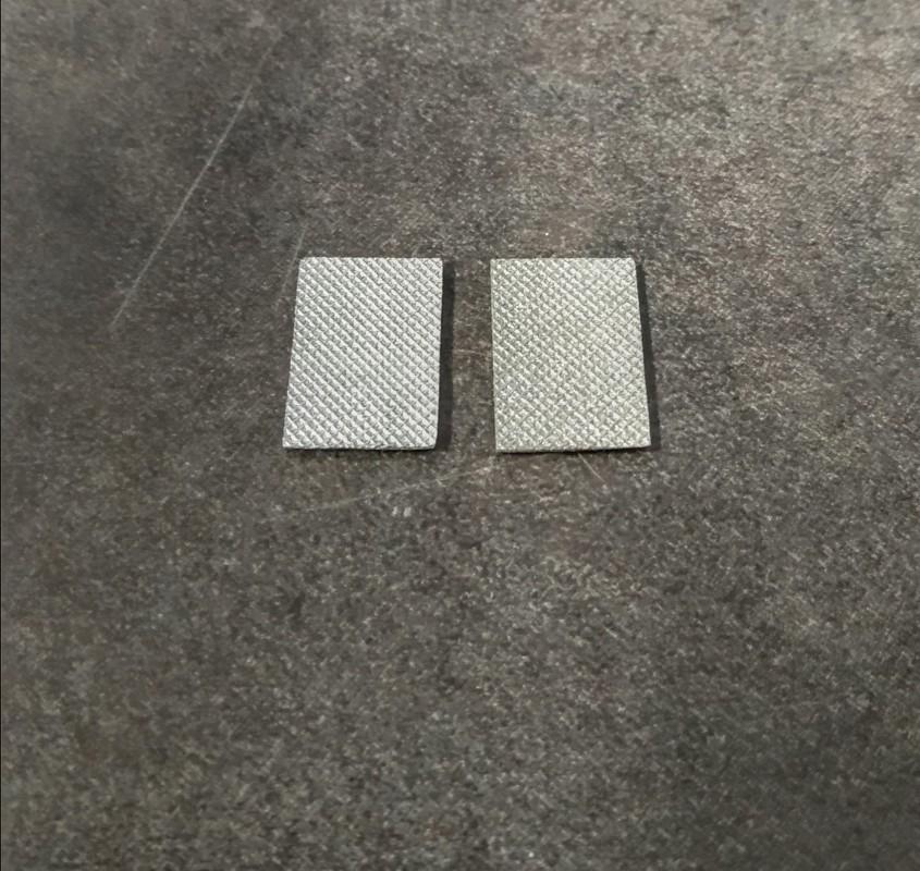 2 Plaques en résine - Peint - 15.30 x 10.40 mm