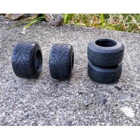 4 pneus Formule 1 en résine souple - Ech. 1:18 - Pour jantes creuses