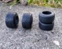 EN L'ÉTAT - 4 pneus Formule 1 en résine souple - Ech. 1:18 - Pour jantes creuses