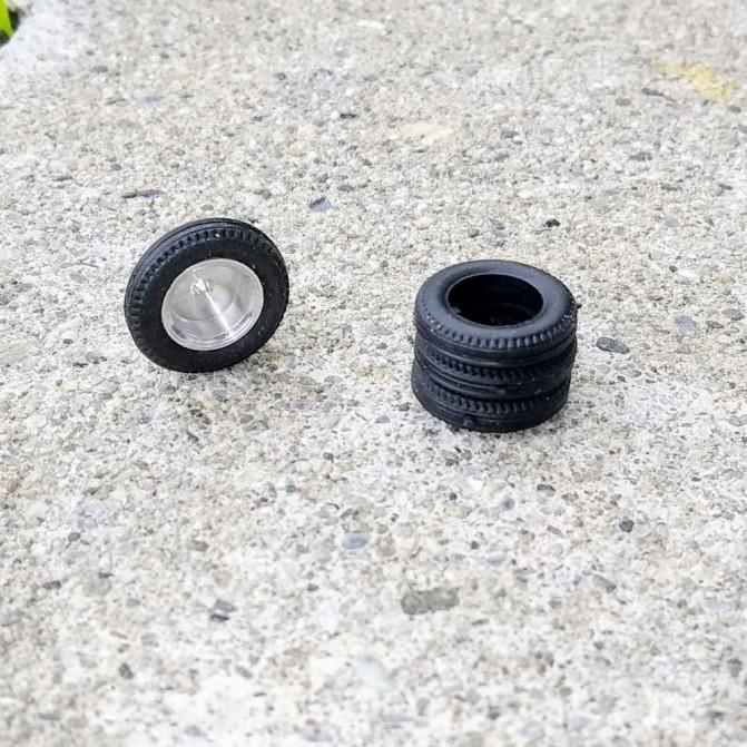 Neumáticos de resina blanda - ø15mm Th 3.50mm - Escala 1:43 - Por 4