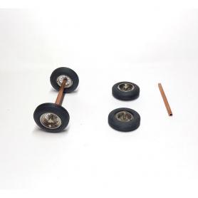 4 roues à rayons - Ferrari - 1:43 - Laiton chromé et pneus souples