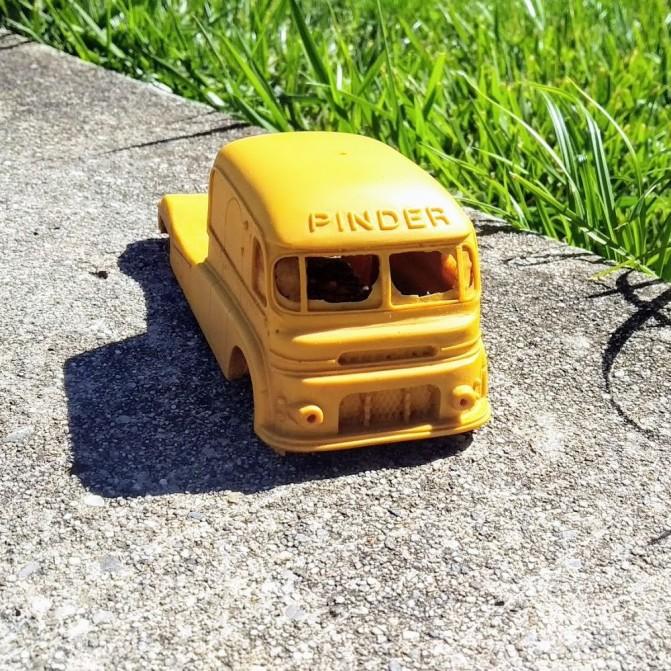 En l'état - Tracteur du cirque Pinder - 1:43 - CPC Production