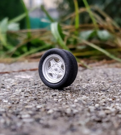 4 roues complètes - Ø14 mm - Ech. 1:43 - white metal