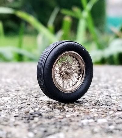 4 roues complètes à rayons Ø 14.60 mm - Laiton chromé - Ech 1:43
