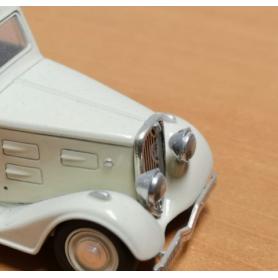 Support de Phares X2 en White Metal Chrome - Ech. 1:43 - Peugeot 401