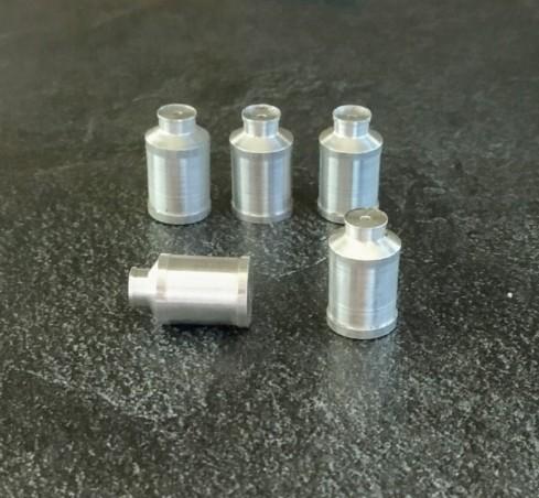 5 Milchkrüge aus Aluminium - Lg: 13,40mm für Dioramen und Miniaturen - CPC
